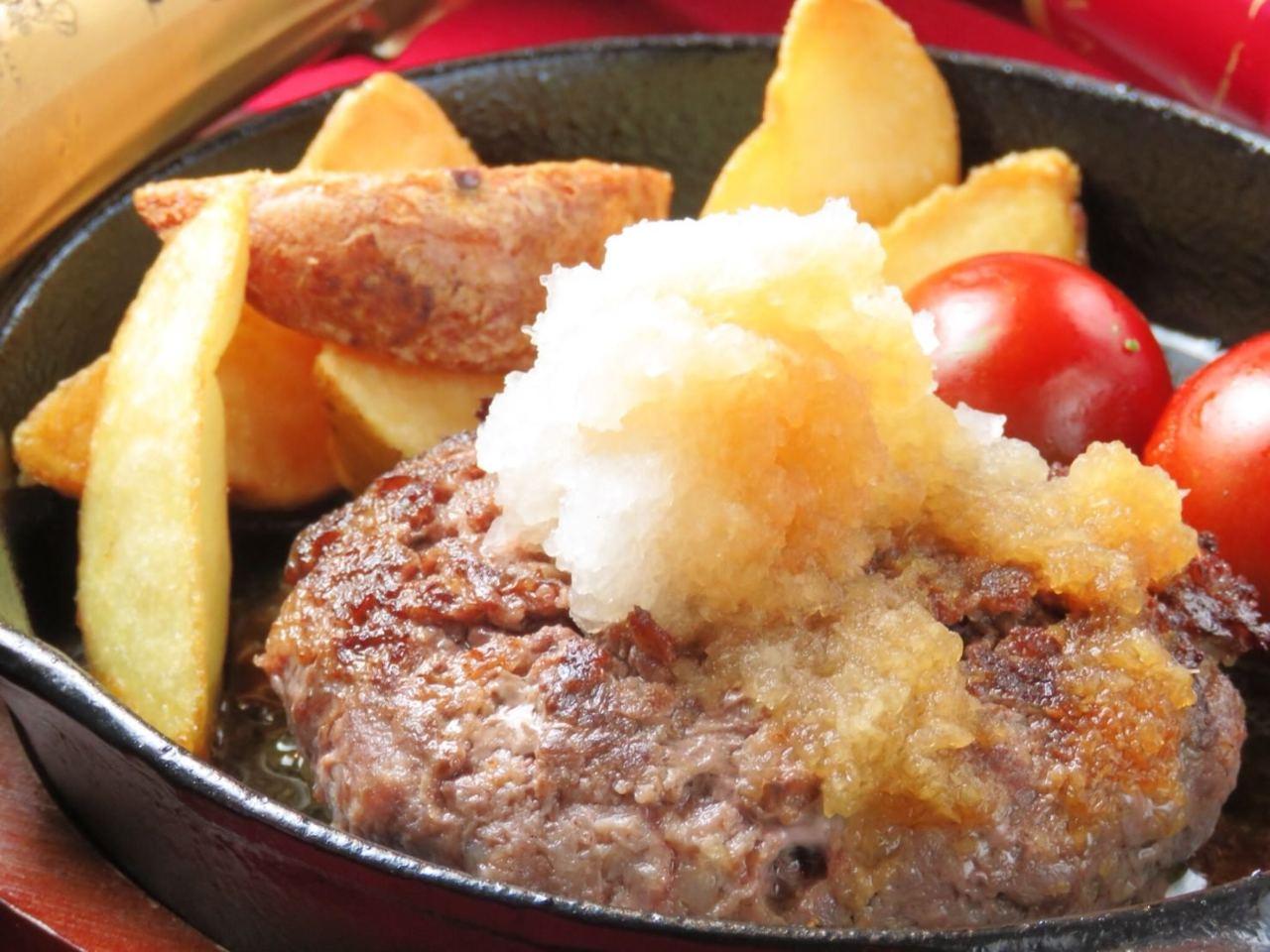 天神の【馬肉酒場 バルバニック】がおすすめする「馬肉のハンバーグ」