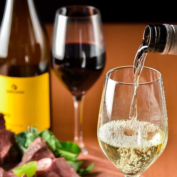 天神のバル【馬肉酒場 バルバニック】のワイン飲み放題